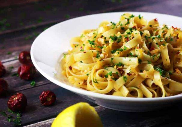 5 Ingredient Spicy Garlic Pasta