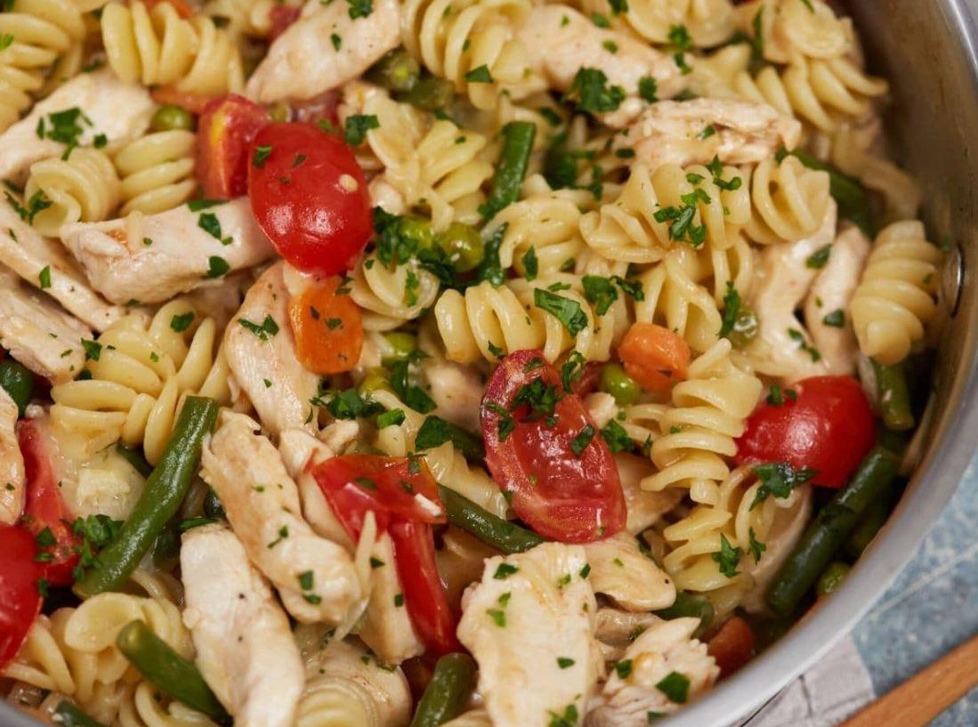 Easy 30-Minute Chicken Pasta Primavera Recipe